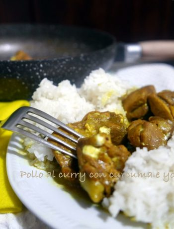 Pollo al curry curcuma e yogurt greco