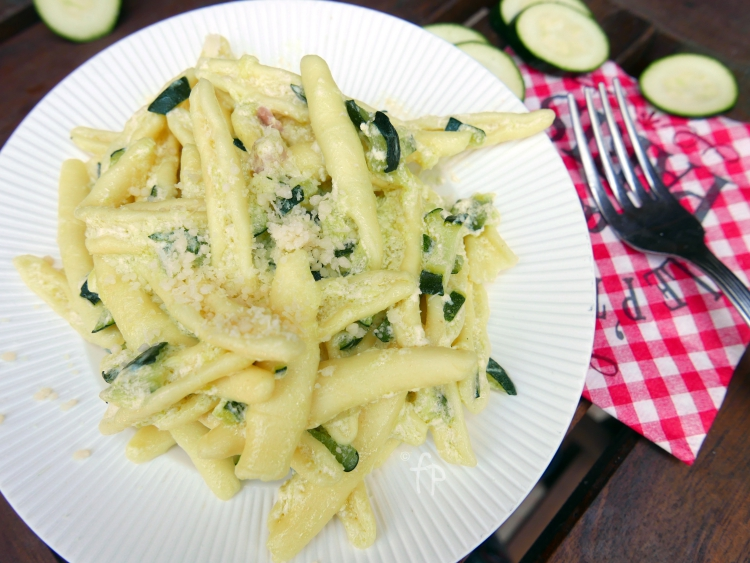 pasta zucchine, pancetta e panna