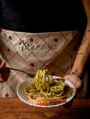 Spaghettoni alle vongole, gamberi e zucchine