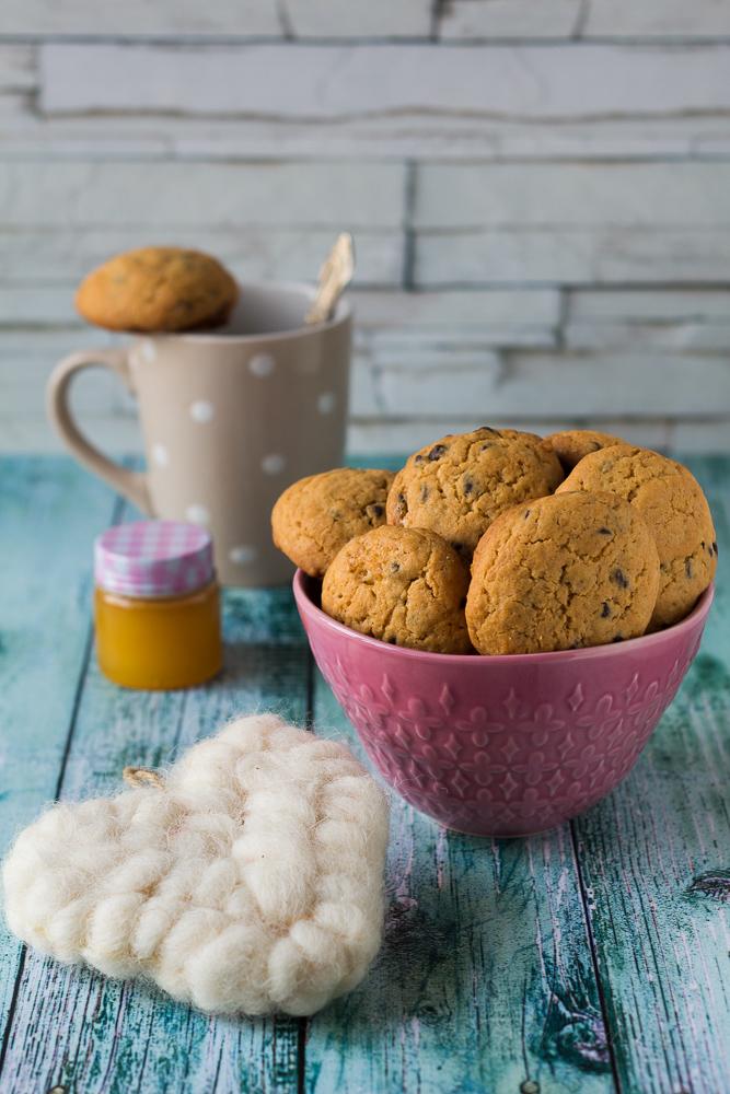 biscotti con gocce di cioccolato golosi