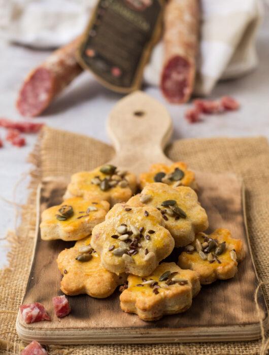 Biscotti salati al Parmigiano e salsiccia