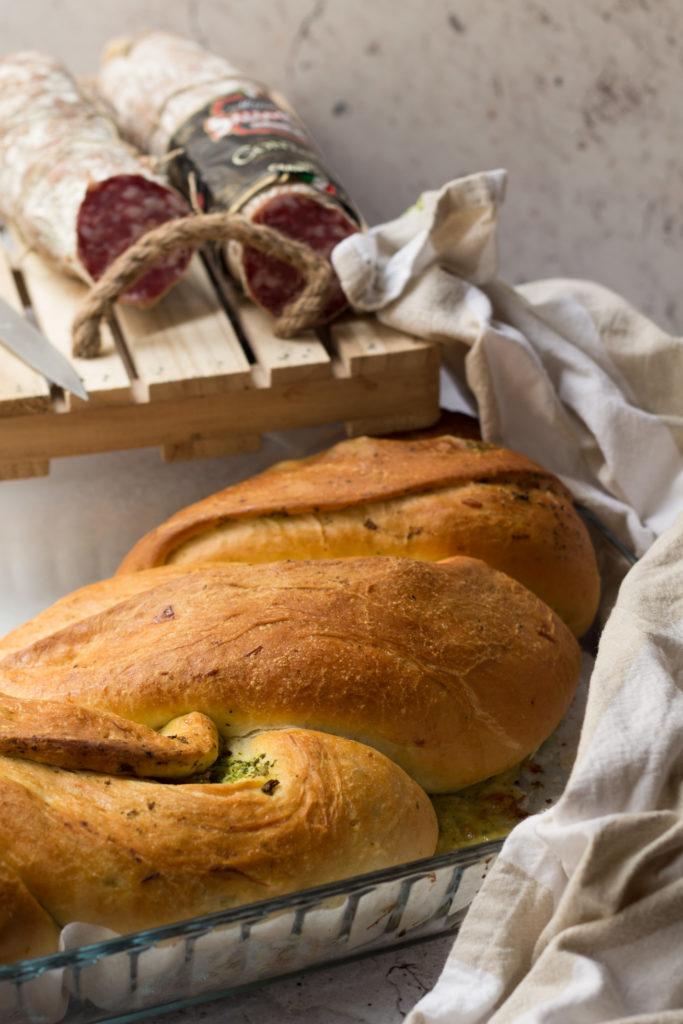 Treccia di pan brioche con broccoli e salame Contadino Clai 5