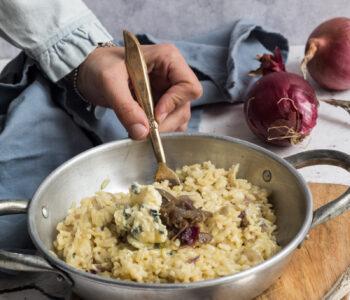 Risotto-cipolle-caramellate-e-formaggio-Bavaria-Blu-ev