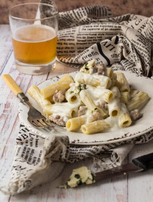 Pasta-salsiccia-e-birra-con-Eldelpiz