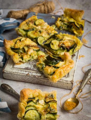 Torta salata con zucchine al curry e Bavaria Blu_