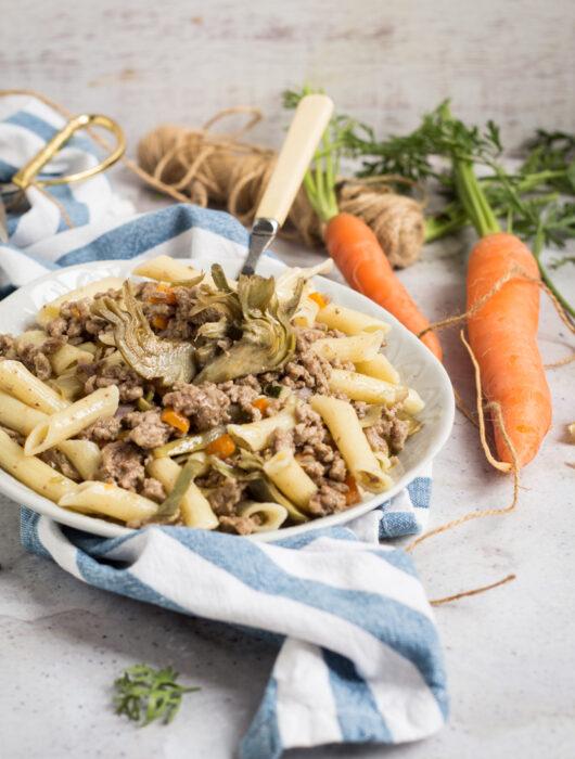Pasta con ragù bianco e carciofi evid 4