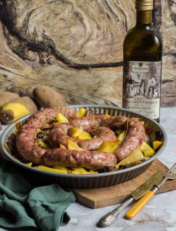 Salsicce-patate-e-funghi-al forno